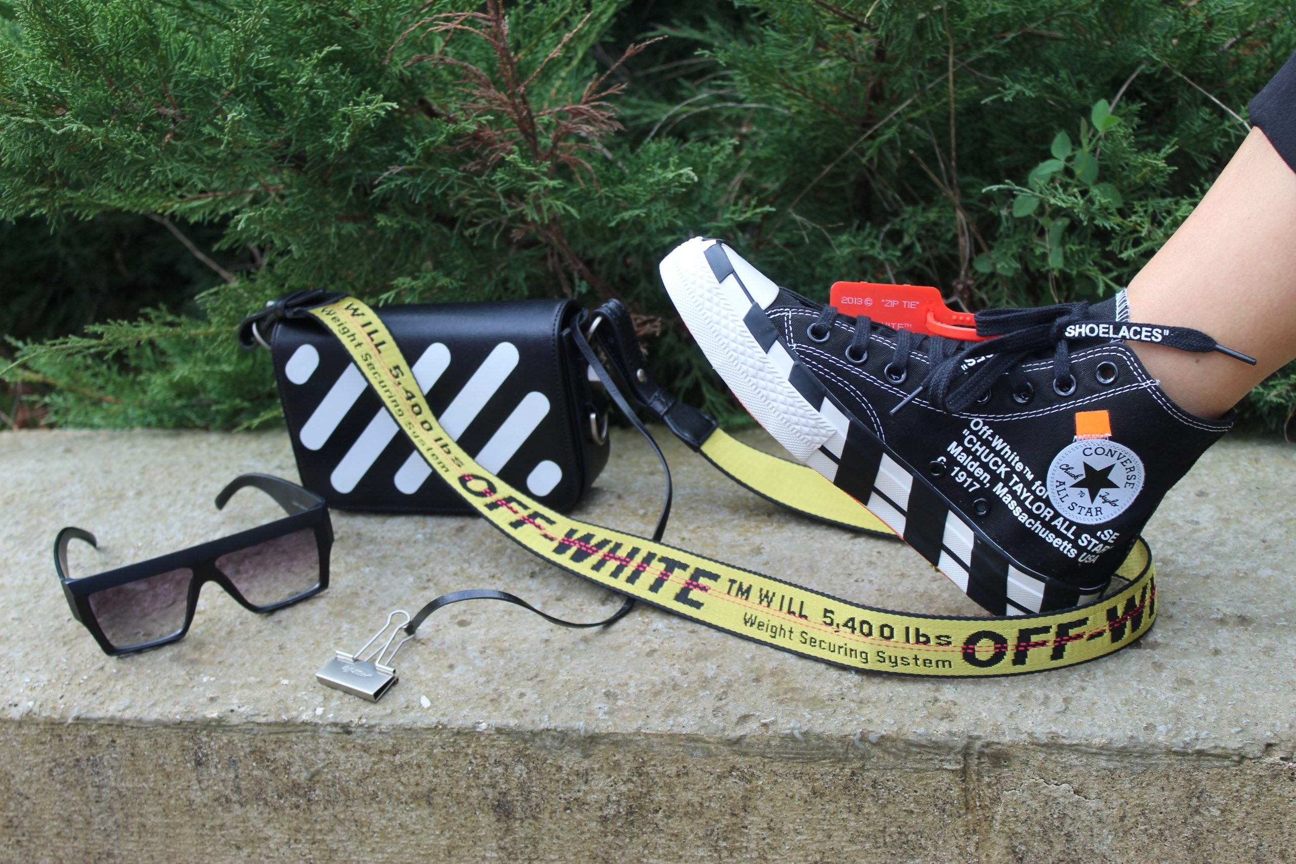 off white outfit ninenties grunge streetwear