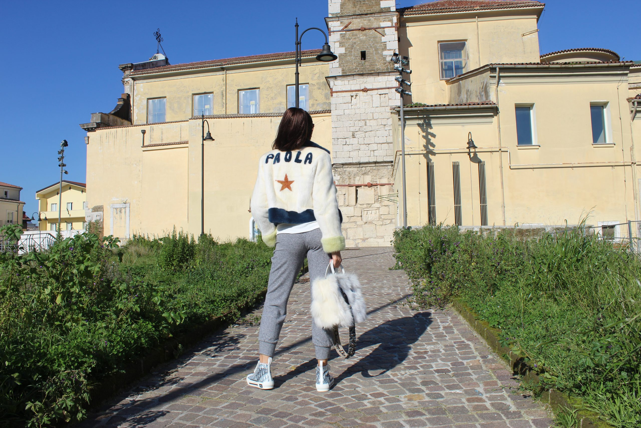 comfy outfit dior details sneakers Paola Lauretano