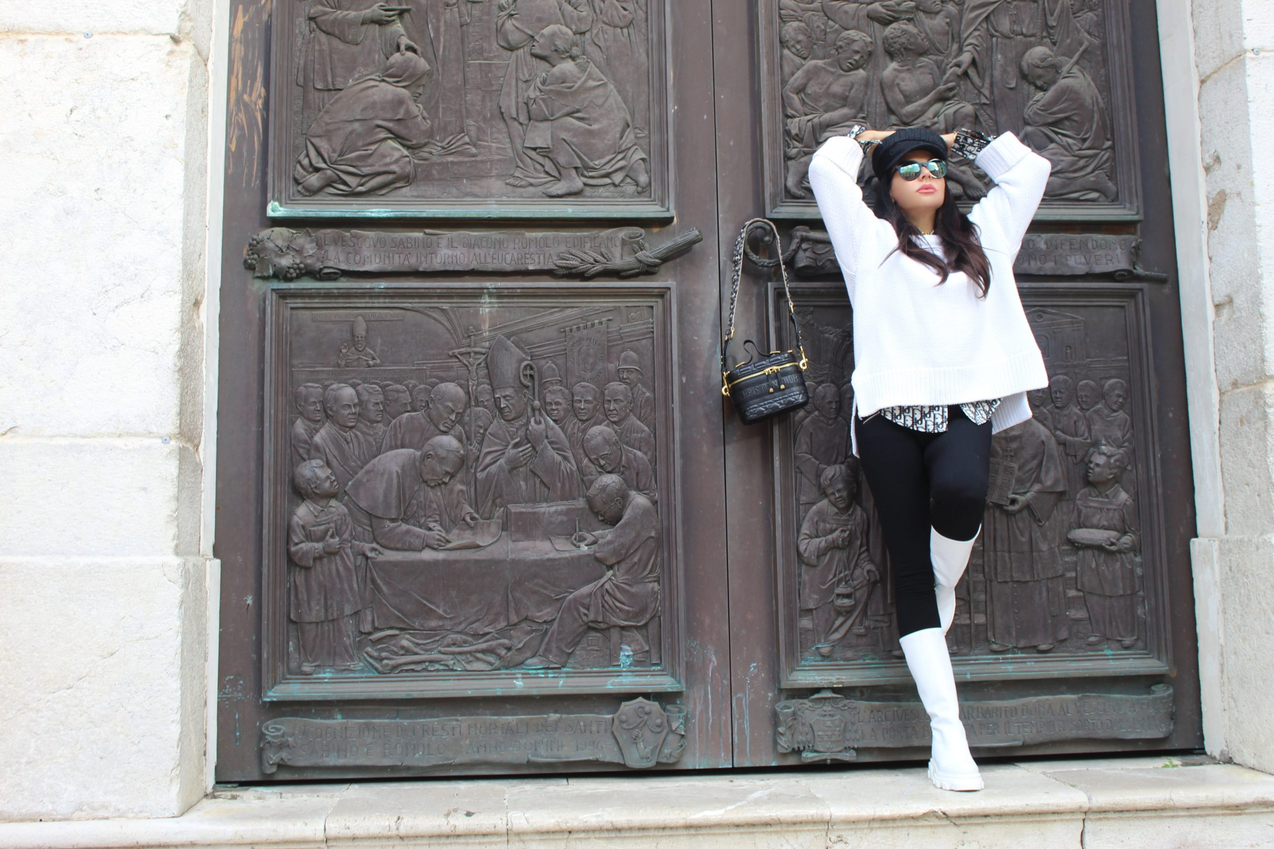 outfit white chuncky boots dior style paola lauretano