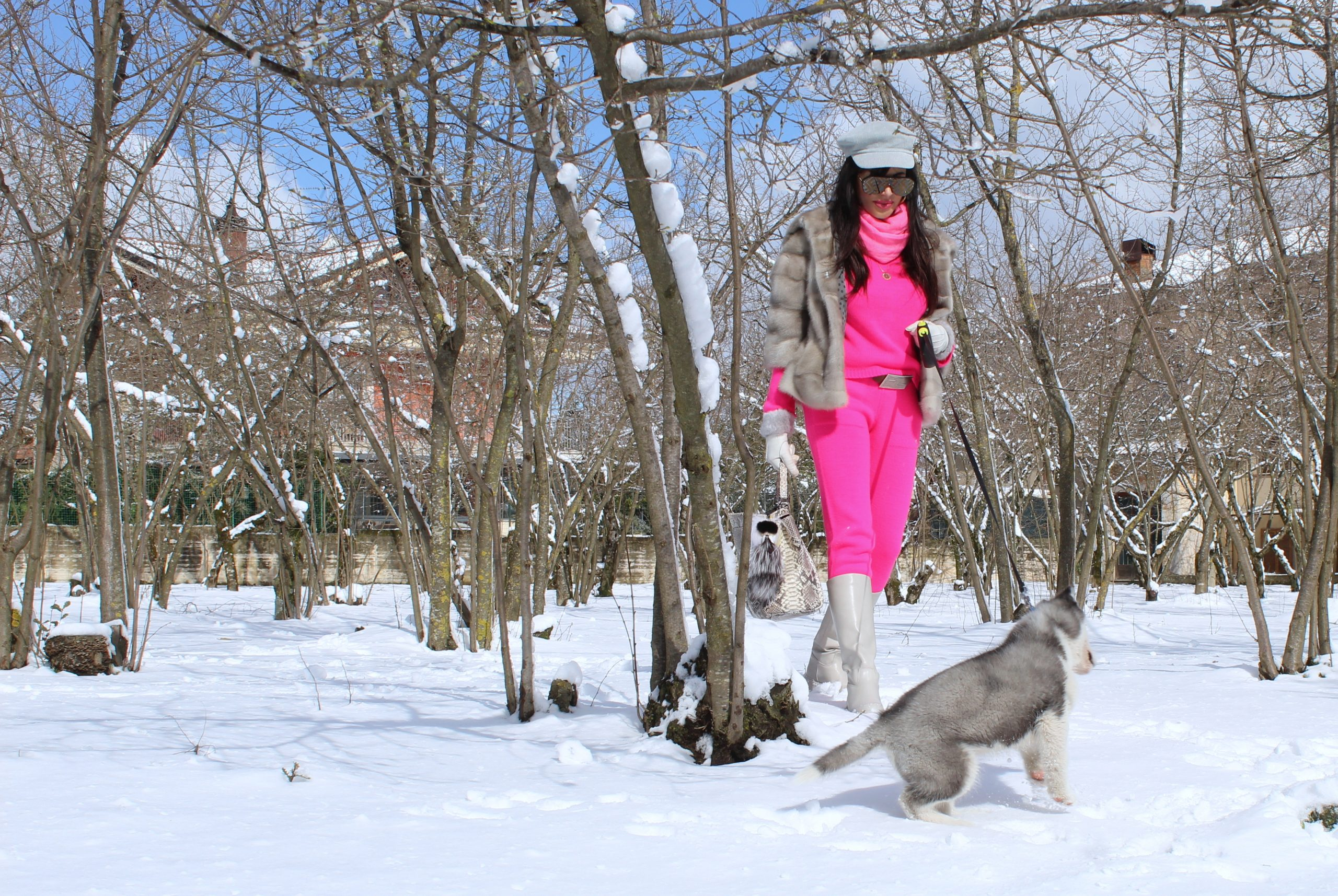 winter look hot pink fendi glam snowy days look Paola Lauretano