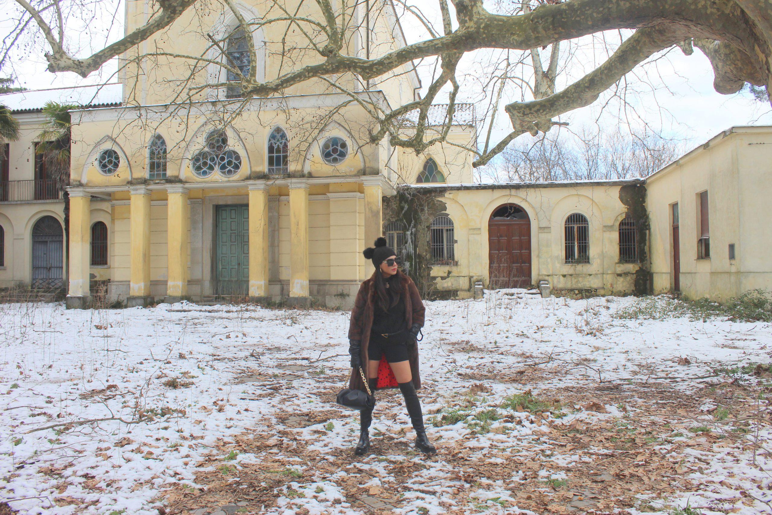 Winter Total Black Look Fur and knee boots Bottega Veneta Paola Lauretano