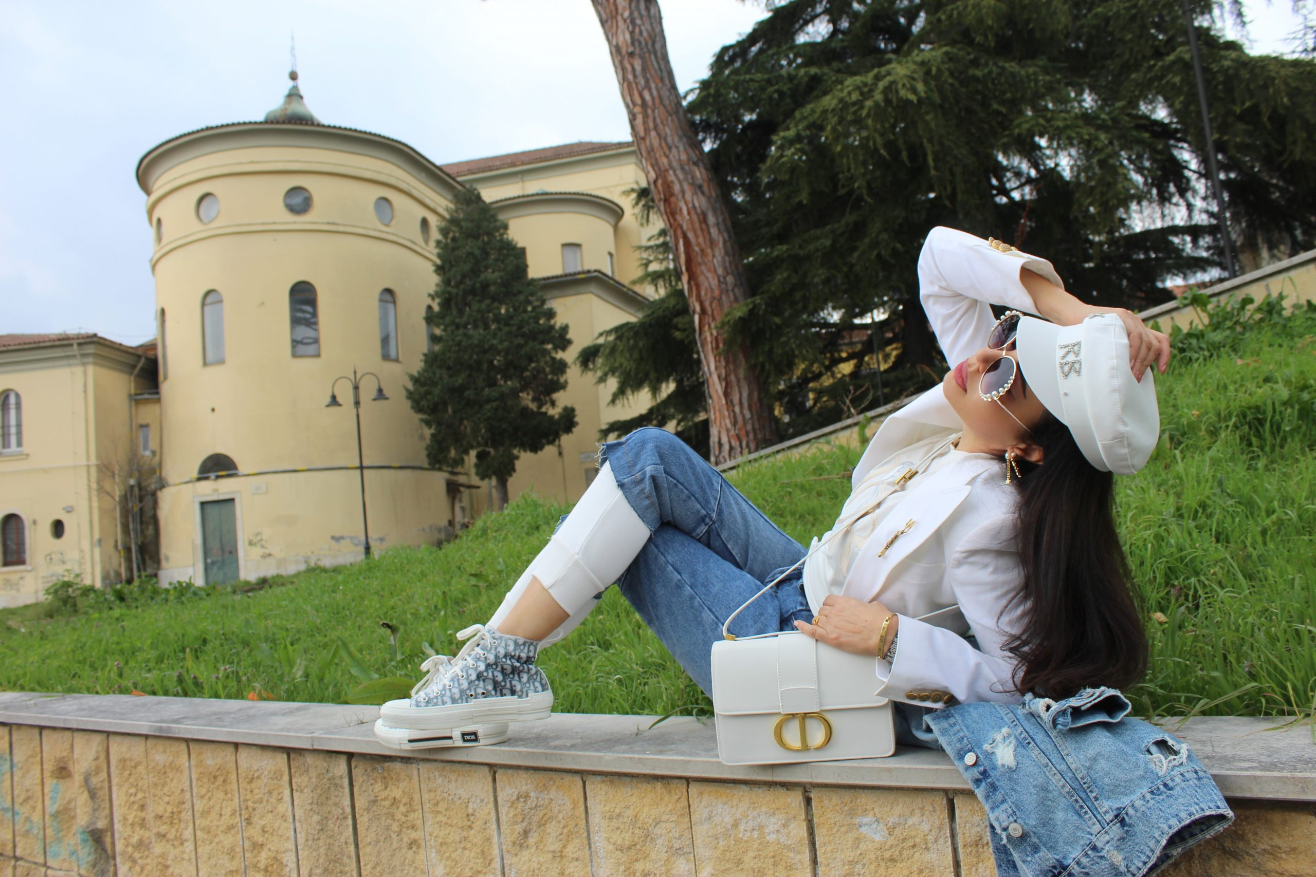 Joggers white and jeans combo Dior accessories Spring Trend Paola Lauretano