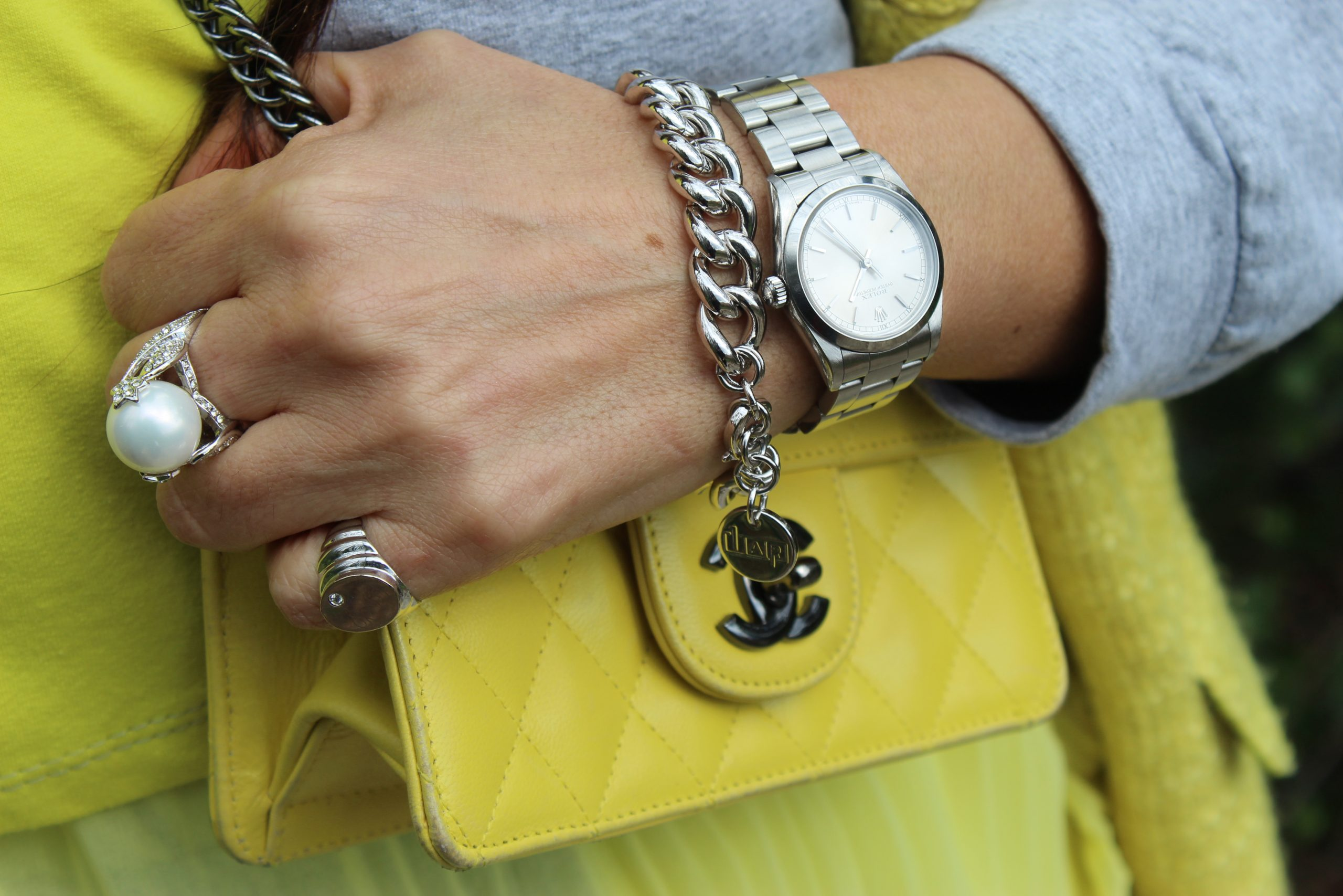 Illuminating Ultimate Gray Pantone Year Color Trend Chanel Accessories Paola Lauretano