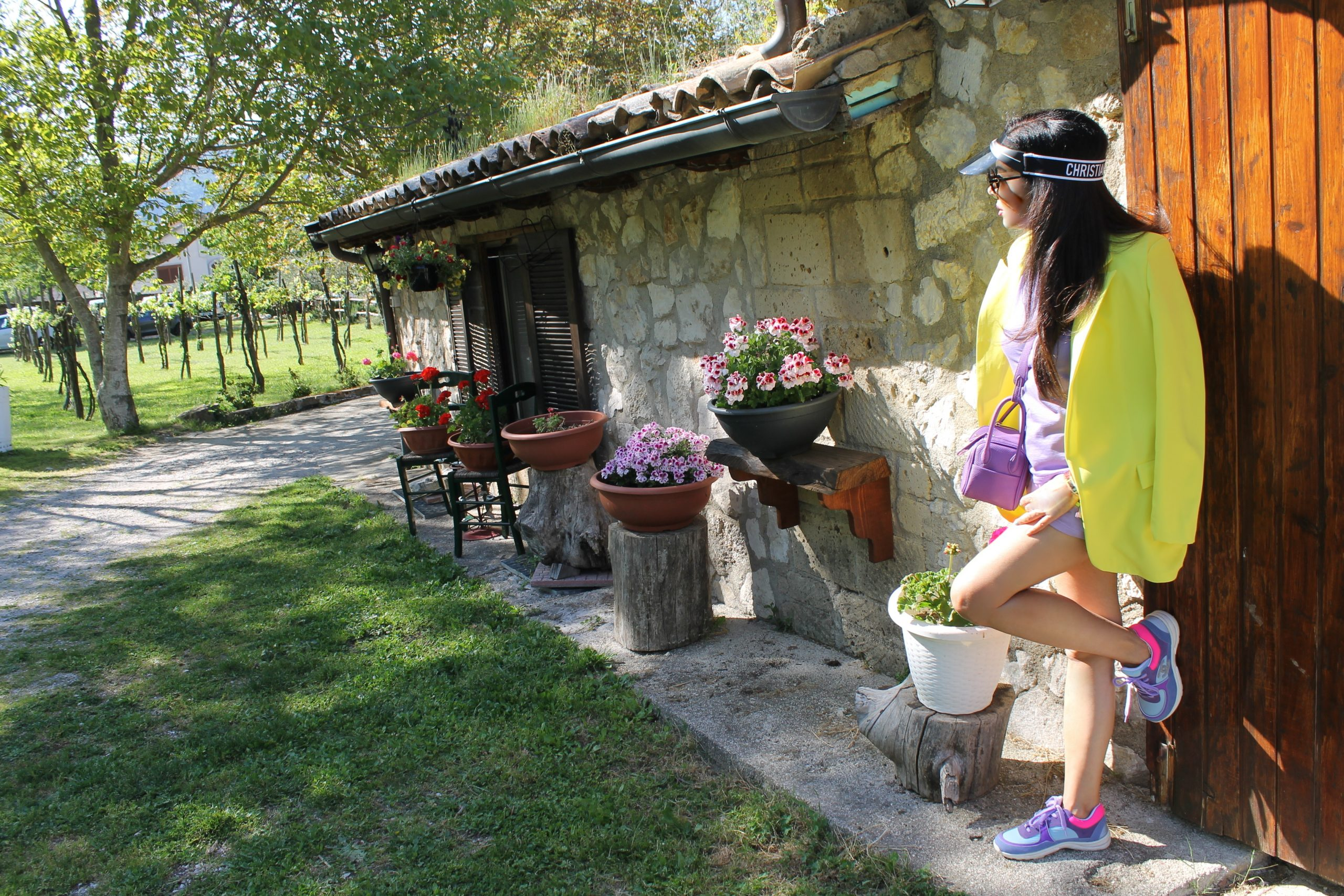sporty comfy outfit lilac and yellow look chanel sneakers Paola Lauretano