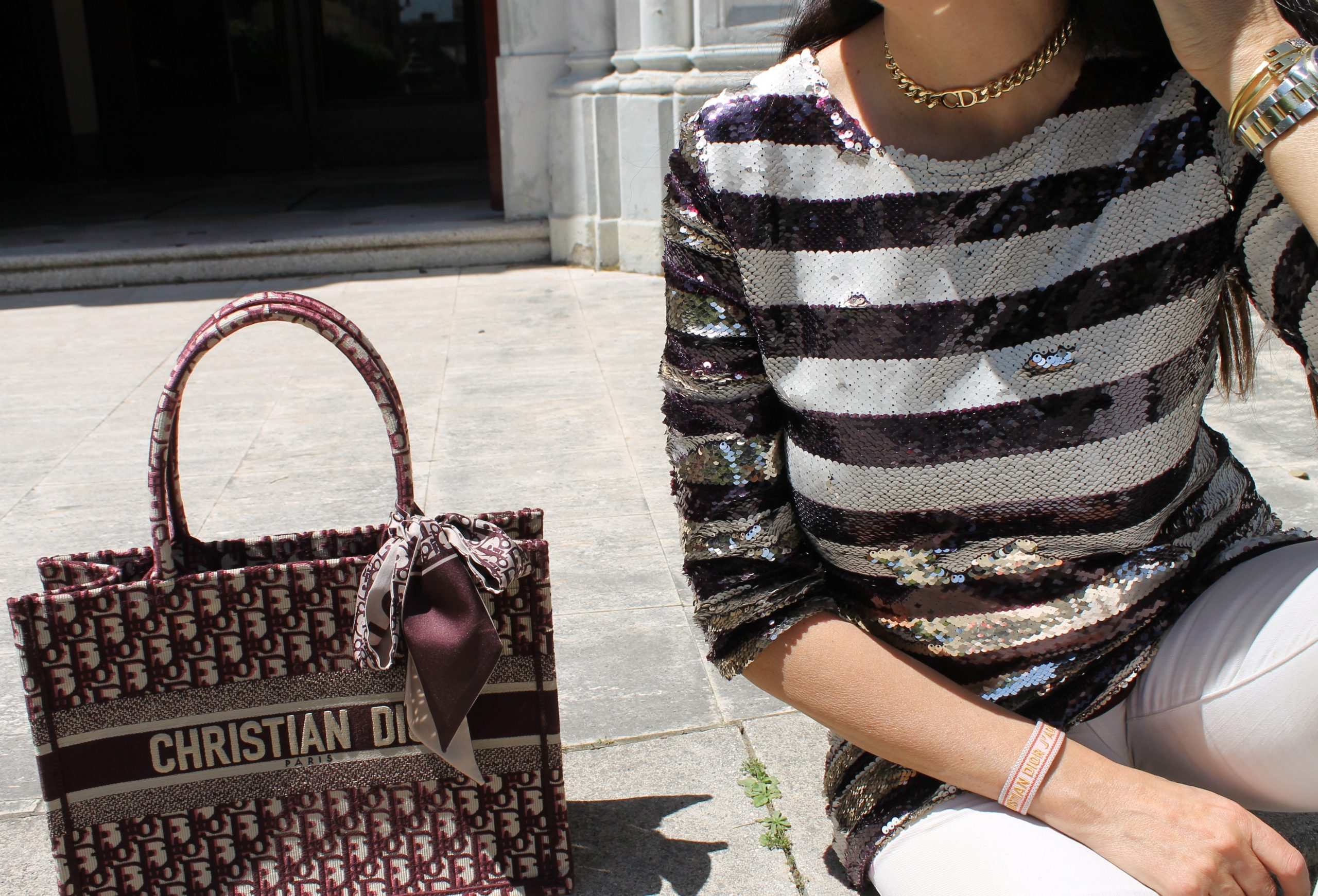 Travel Look Comfy and Chic Outfit Spring Idea Dior Bag Rome Paola Lauretano
