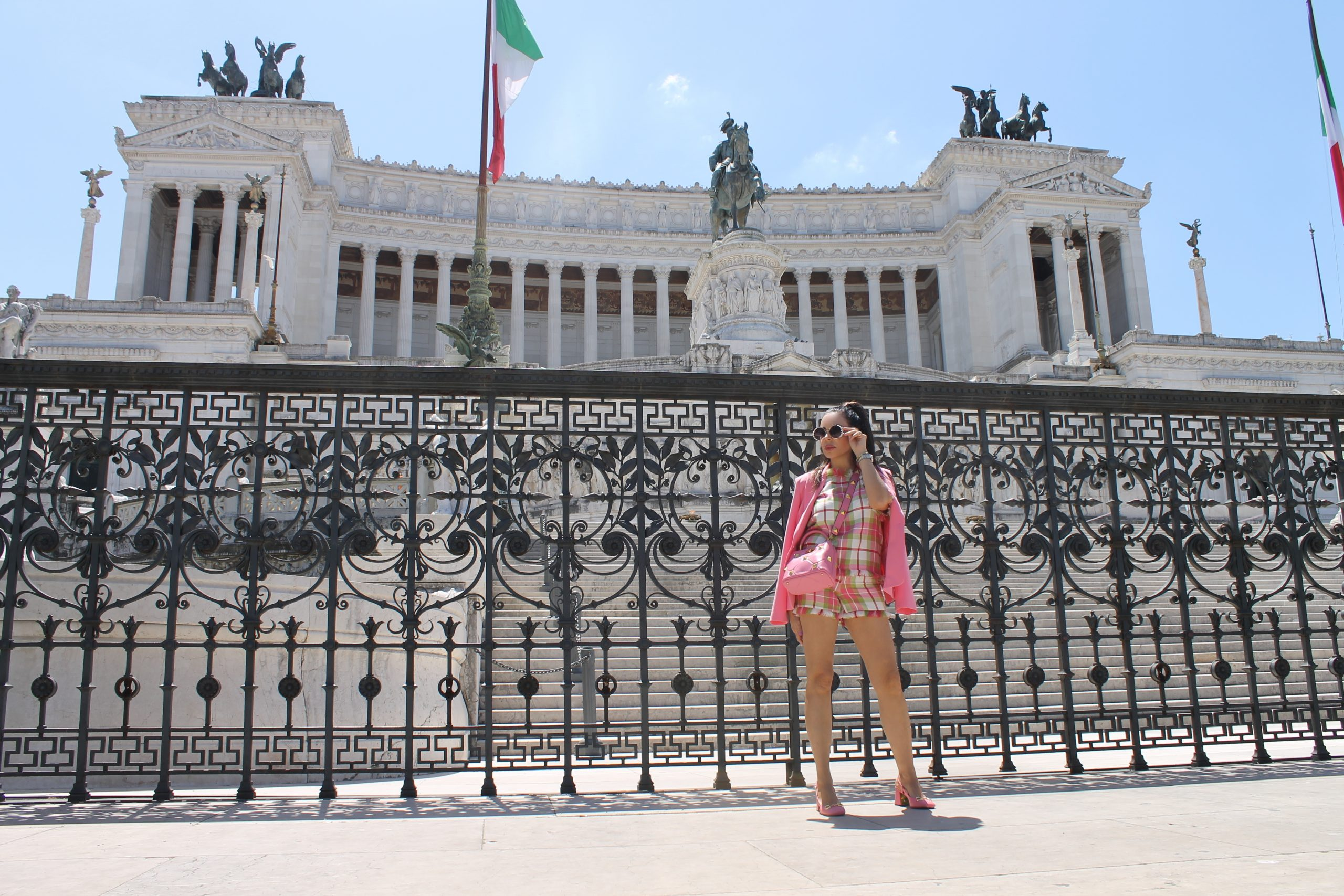 Pink Look Vacanze Romane Spring Outfit Ideas Gucci Shoes Valentino Bag Paola Lauretano