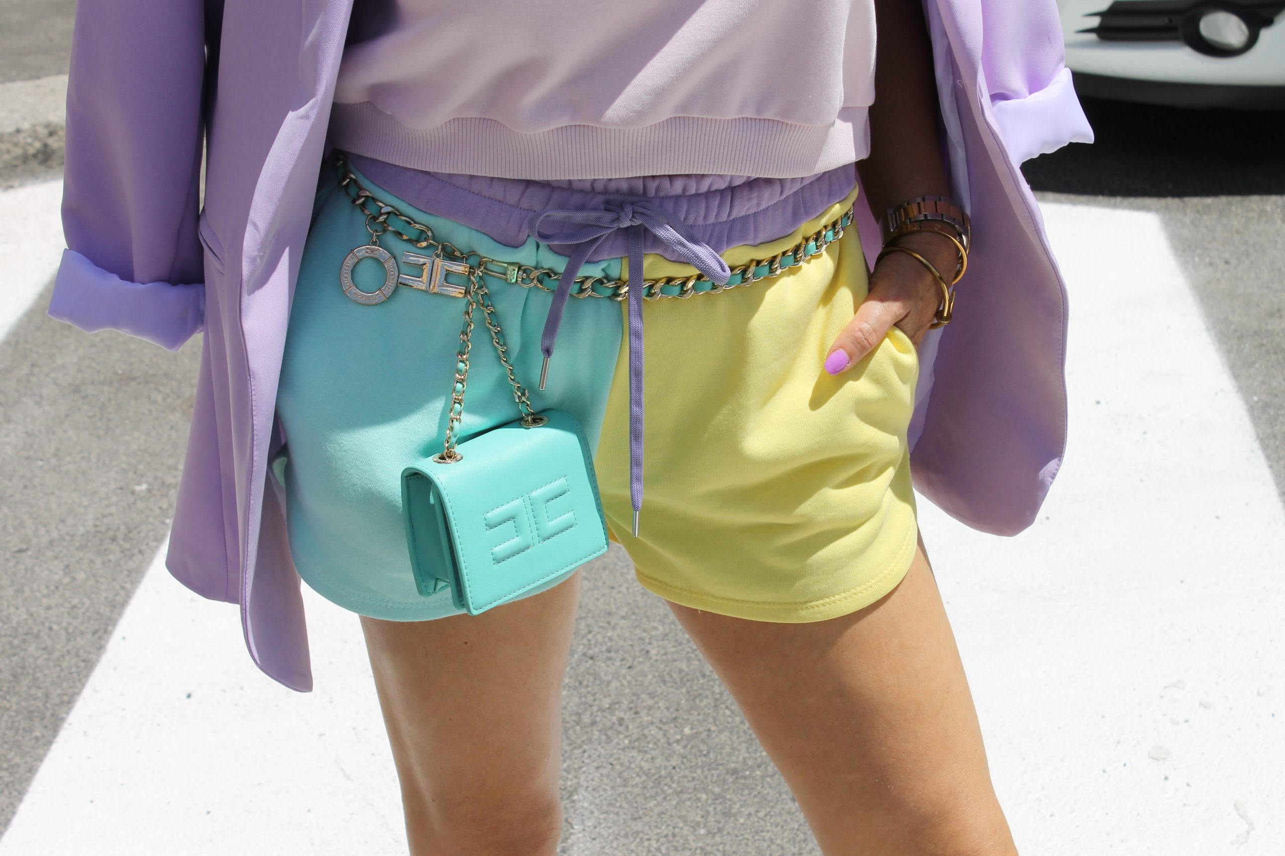 pastel colours spring trend 2021 light lilac Prada look Elisabetta Franchi Accessories Paola Lauretano