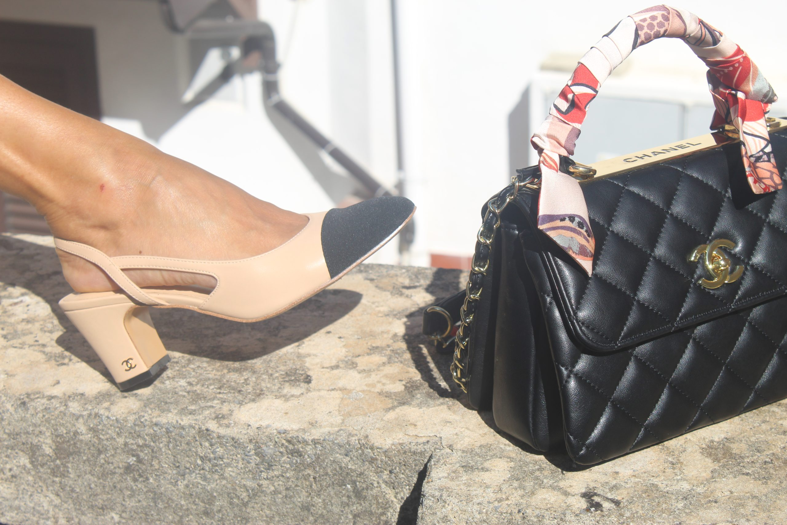Fall 2021 trend floral jacket pjs style FEDERICA ERRE jacket RUBEN DELLA RICCIA MILANO shorts  CHANEL accessories Travel in Italy Paola Lauretano